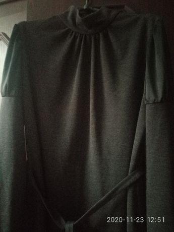 Сукня ,плаття~48рр,сіра графітова.Атласні вставки на довгих рукавчиках