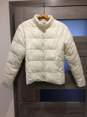 Куртка колір бежевий 46-48 розмір