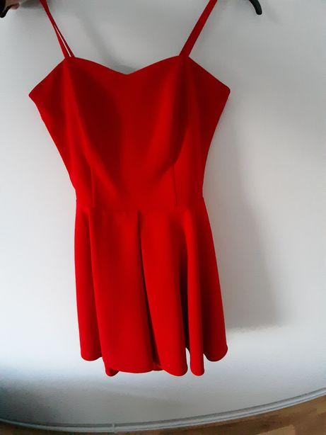 Sukienka. Rozmiar 38. Czerwona :)