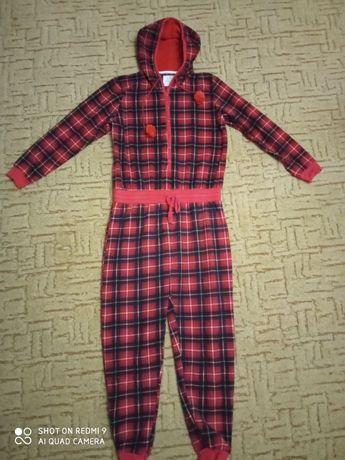 Шикарный флисовый слип, пижама унисекс на подростка 12-13 лет.