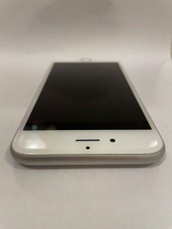 iPhone 6s, 16GB, Srebrny z futerałem