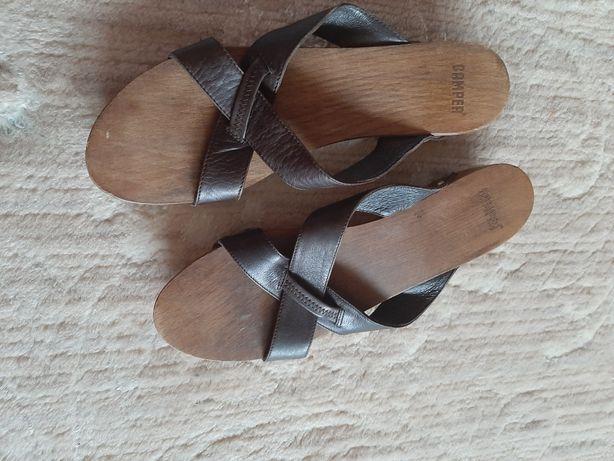 CAMPER Skorzane klapki drewniaki r 40