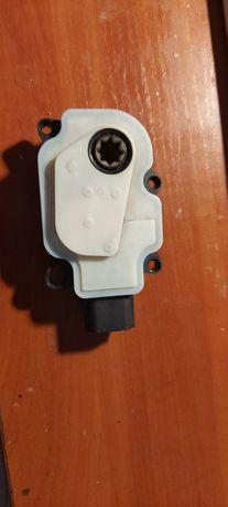 Моторчик жалюзи радиатора Murano Z52
