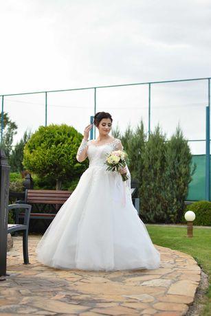 Весільна сукня ₴