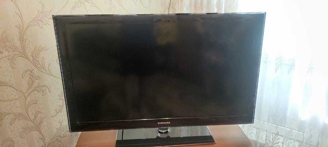 Продам телевизор Samsung диагональ 40 дюймов, срочно!!!