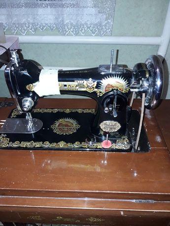 Швейна машинка в робочому стані