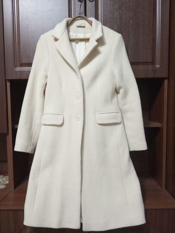 Пальто Nienhaus нежно-бежевого, бежевое цвета