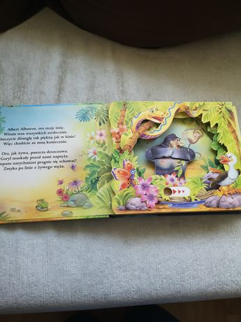 Wśród dzikich zwierząt - książeczka z ruchomymi elementami
