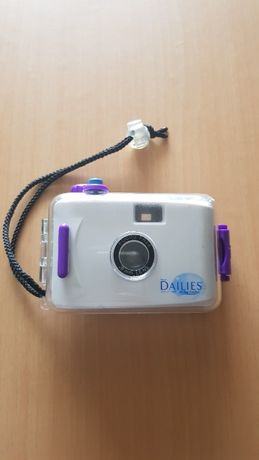 Máquina fotográfica 28mm Focus Free + caixa estanque