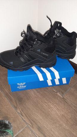 Зимние спортивные ботинки Adidas