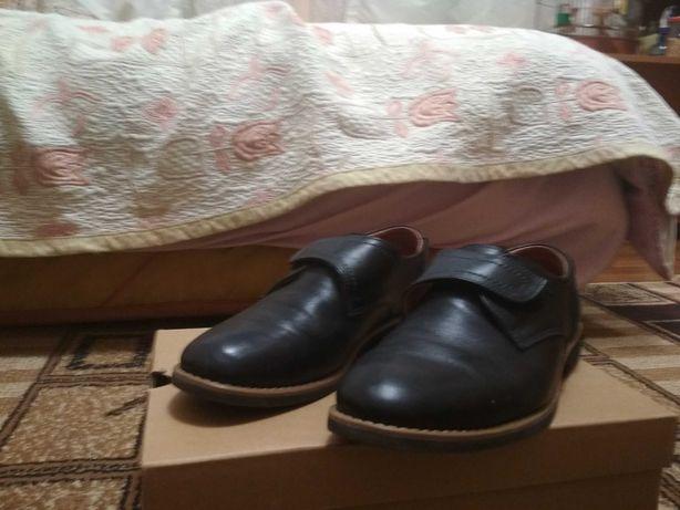 Кожаные туфли 38 разм.