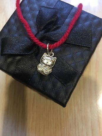 Продам красную нить для детей с серебрянными подвесками-Израиль