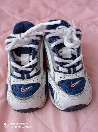 Nike buciki chłopięce 19