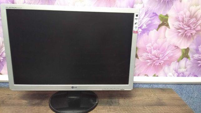 Продам монитор LG Flatron W2242T