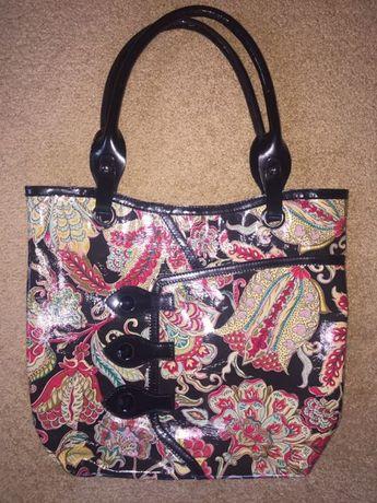 Цветная, кожаная ,лакированная сумка