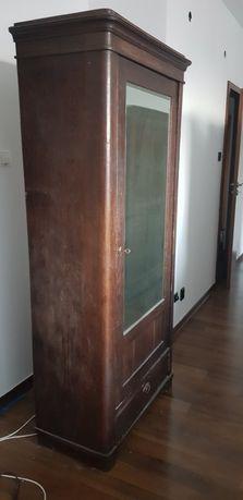 Drewniana szafa z lustrem antyk