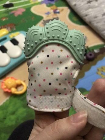 Для зубиков селиконовая перчатка