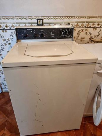 Vendo Maquina de Lavar Roupa