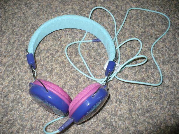 słuchawki z bohaterkami Krainy Lodu