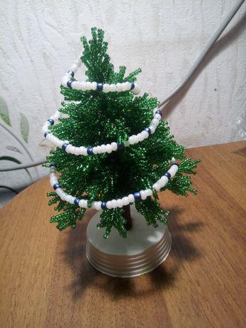 Рождественская ёлка из бисера