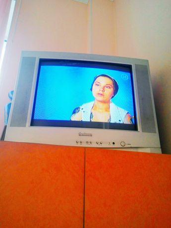 Продаю телевизор Сатурн.