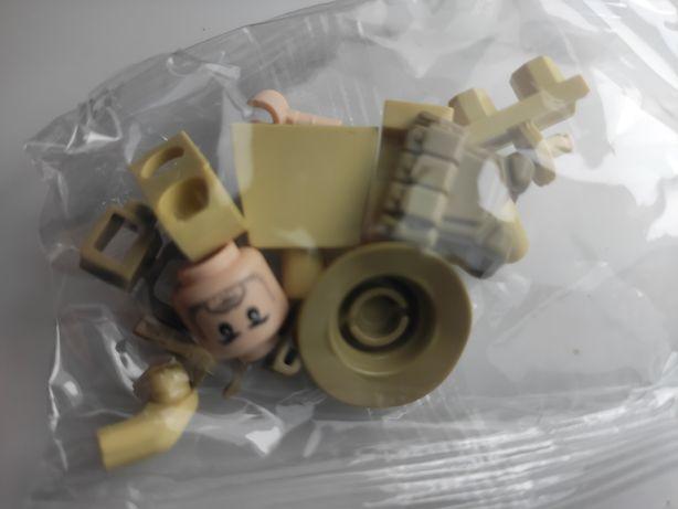 Nowa figurka typu klocki - komandos w pustynnym stroju