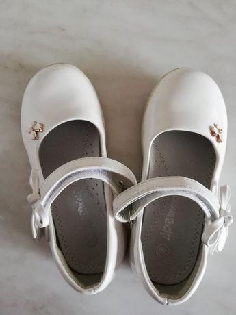 Туфельки для дівчинки, в хорошому стані, розмір 28