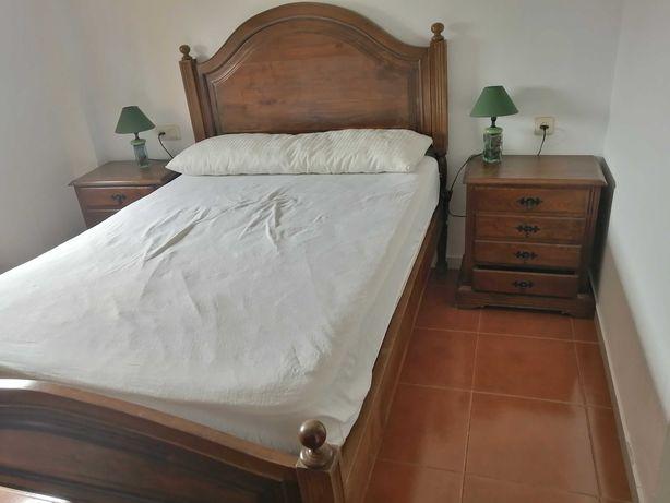 Mobília de quarto em castanho completa