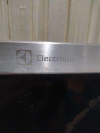 Плита електрична Electrolux
