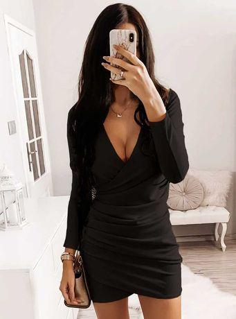 Czarna Sukienka z kopertowym dekoldem