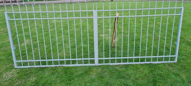 Brama dwuskrzydłowa + furtka