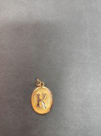 złota literka K - lombard madej sc