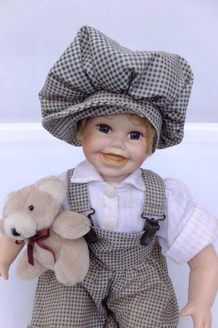 Lalka porcelanowa chłopiec