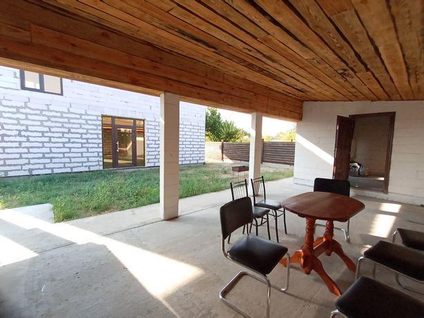 Продам дом 140 кв. рядом зимний дом со всеми удобствами на 30 кв