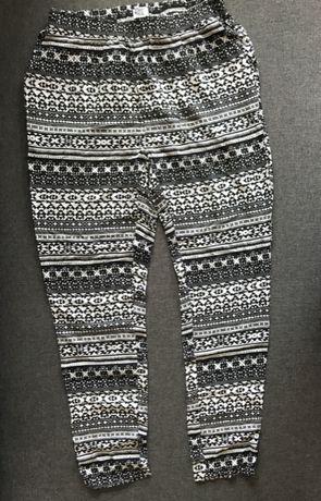 Lekkie spodnie na lato VERO MODA S M biało czarne w azteckie wzory