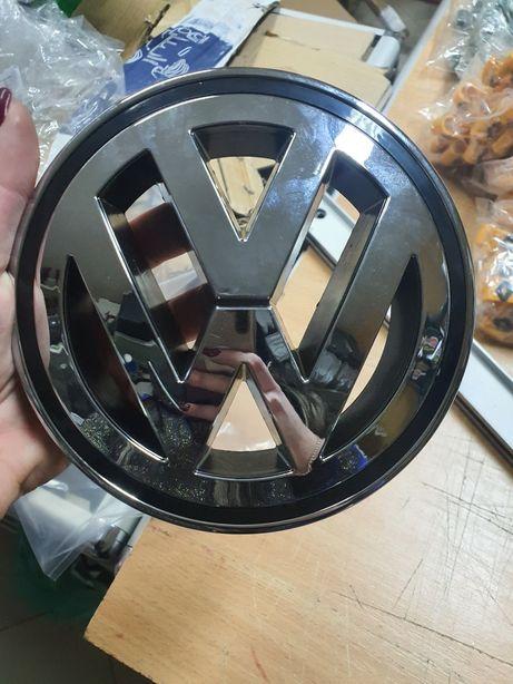 Эмблема значок на решетку радиатора Volkswagen VW B6 ,15,5,3С0 853 600