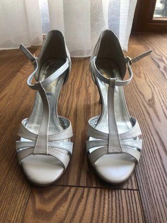 Buty taneczne nr 38, srebrno-beżowe