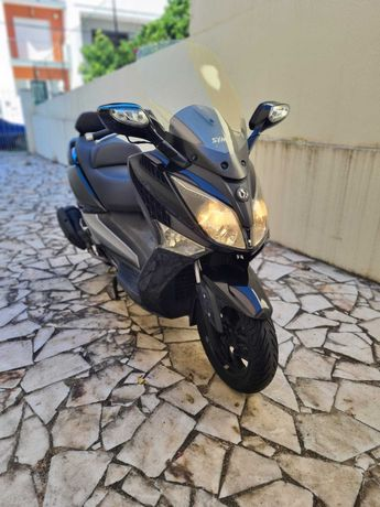 Scooter Sym GTS 125