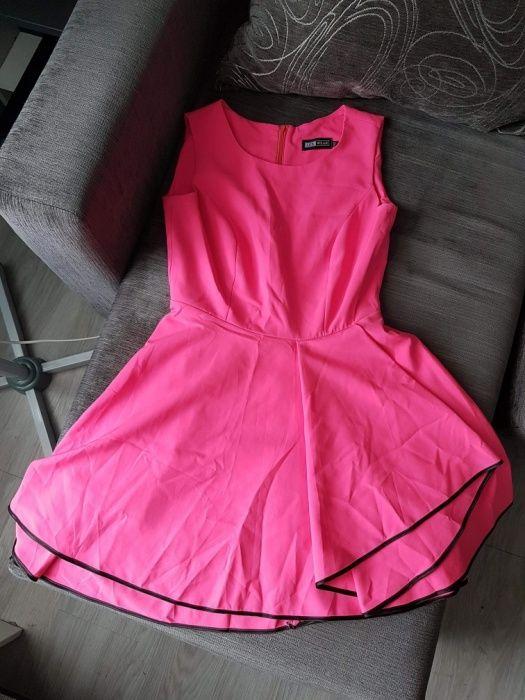 Rozkloszowana sukienka Stolec - image 1