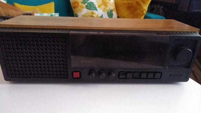 Radio Unitra Taraban 2 z anteną