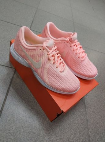 Buty Wmns Nike Revolution 4 Eu ( rozm. 35,5 )