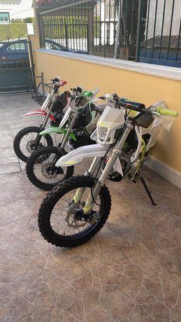 Pit bikes malcor 125 NOVAS