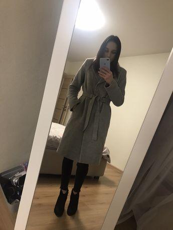 Зимнее , шерстяное пальто