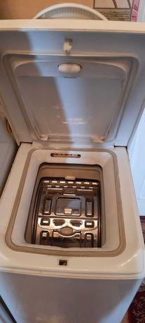 Продам рабочую стиральную машинку  Indesit WT80