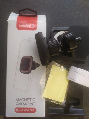 Автомобильный держатель магнитный intaleo