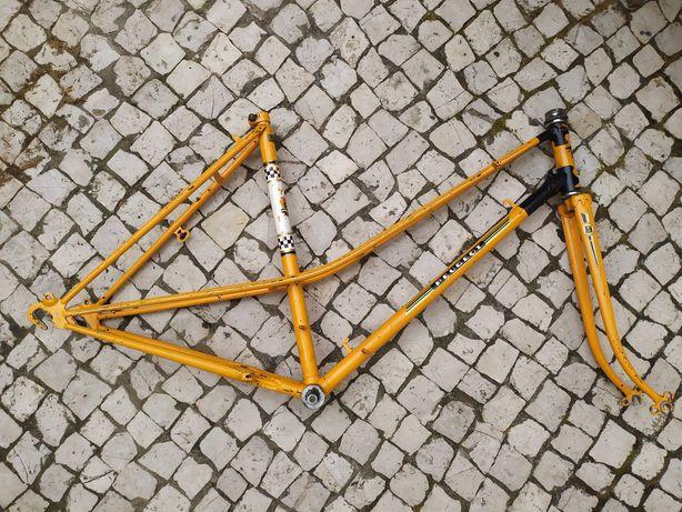 Quadro de bicicleta Peugeot antiga