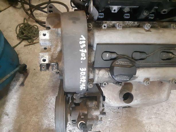 Silnik vw golf bora leon 1.4i 16V AKQ