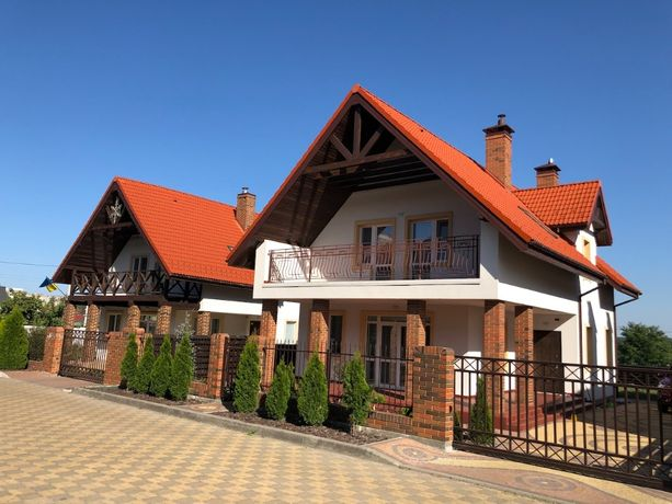 Продам кирпичный дом в Стоянке!