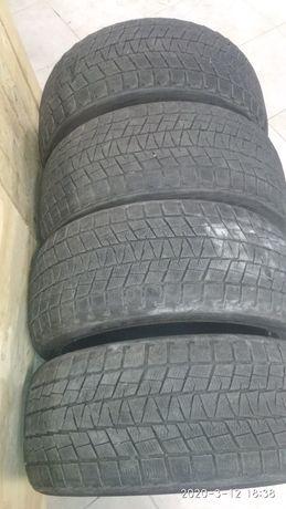 Шины комплект зима 275 40 R20 Bridgestone blizak