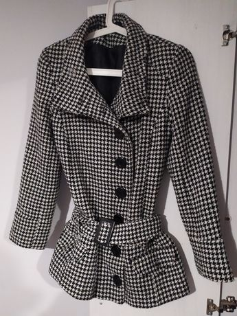 płaszcz w pepitkę z paskiem S 36 na guziki z kołnierzem vintage